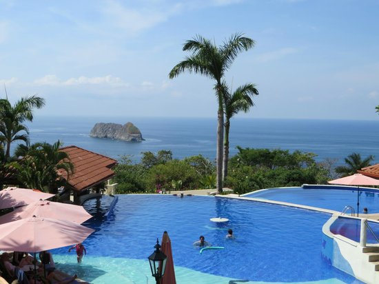 Parador Resort and Spa: Gorgeous family pool area