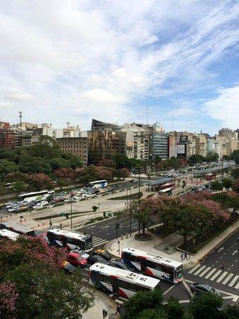 Pestana Buenos Aires Hotel: The Avenida & its traffic