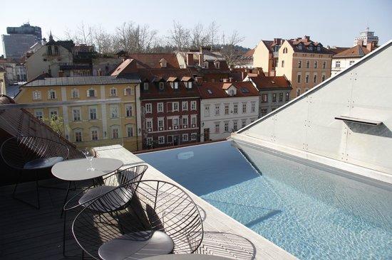 Roof top bar picture of vander urbani resort a member for Design hotel ljubljana