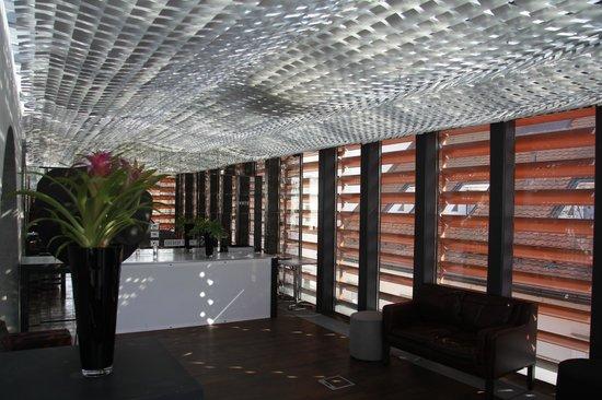 Vander Urbani Resort : bar