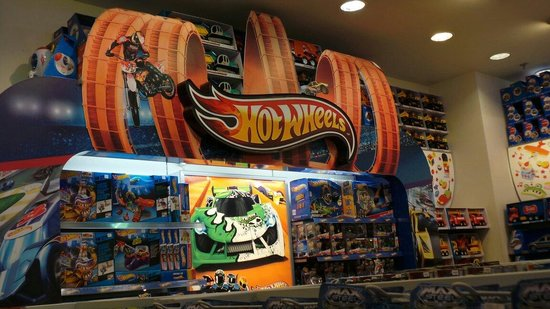 Arkadia Shopping Mall: Hot wheels
