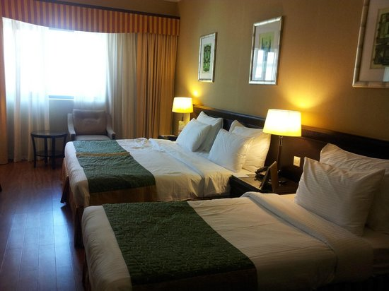 Flora Grand Hotel : deluxe family room (good hotel)