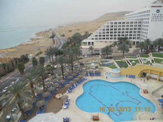 Daniel Dead Sea Hotel: Вид из окна
