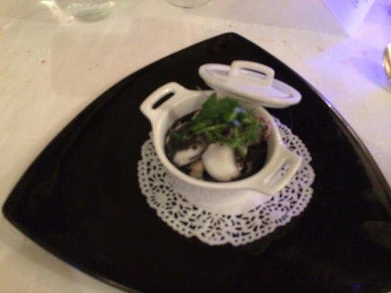 LE PIRATE: risotto crémeux de seiche ,black and white