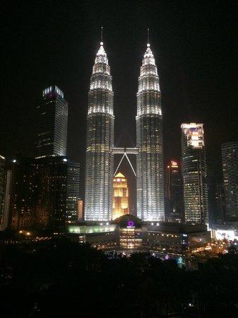 Traders Hotel, Kuala Lumpur : Vue de nuit