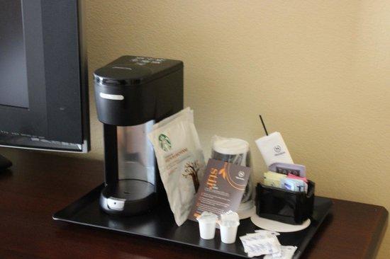 Sheraton Atlanta Perimeter North: Coffe machine / Room