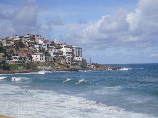 Segunda Praia Beach: vista de San salvador desde la lancha hacia morro