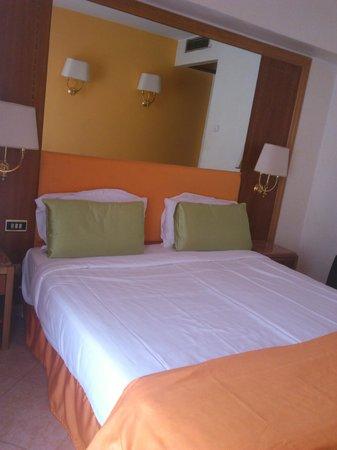 Max Hotel: cosy room
