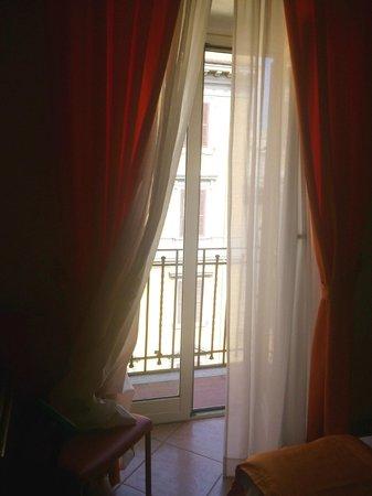 Max Hotel : chambre avec balcon