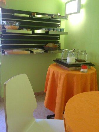Max Hotel : breakfast