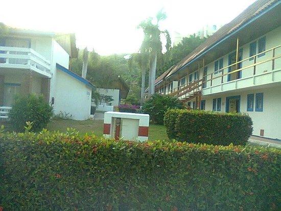 Qualton Club Ixtapa : vista desde un pasillo