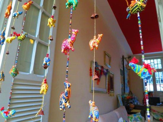 Discovery Hostel: Cute elephant curtain