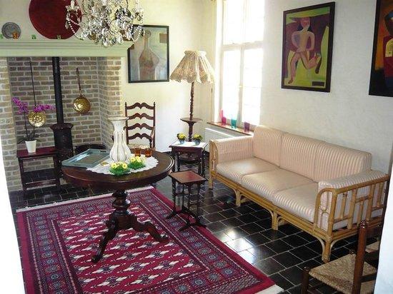 Auberge De Klasse : The lounge