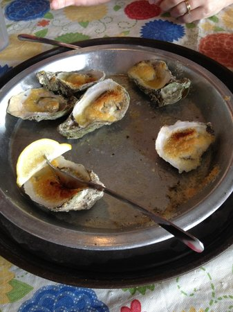 Boss Oyster: Baked oysters on the half shell
