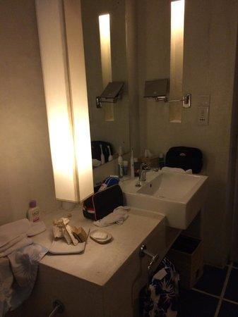 Jetwing Blue: Bathroom