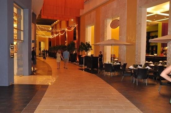 Hard Rock Hotel & Casino Punta Cana: Outside Cafetto