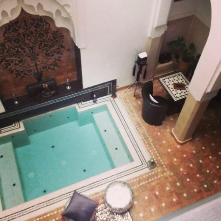 Riad Star: View of the dipping pool from mezzanine level