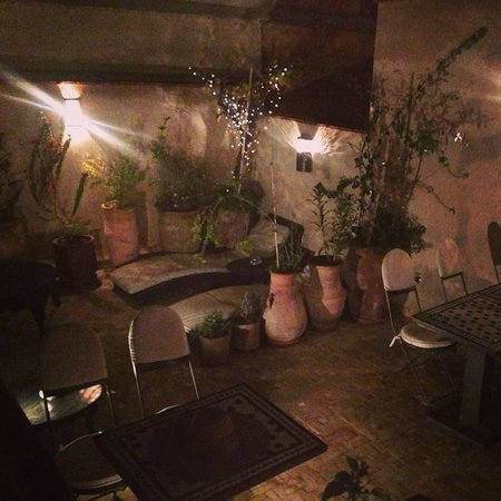 Riad Star: Roof terrace at night