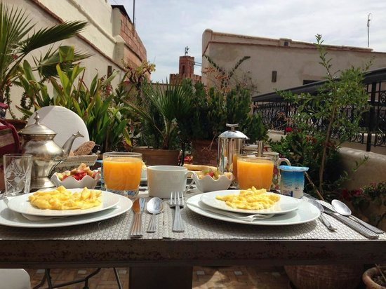 Riad Star: Breakfast on the roof terrace