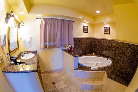 Beachwalker Inn & Suites: Spa