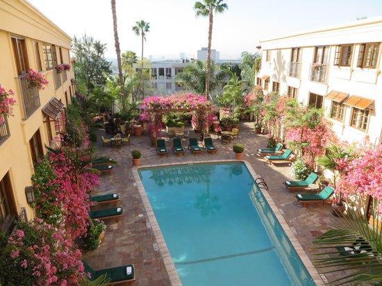 Best Western Plus Sunset Plaza Hotel: Patio