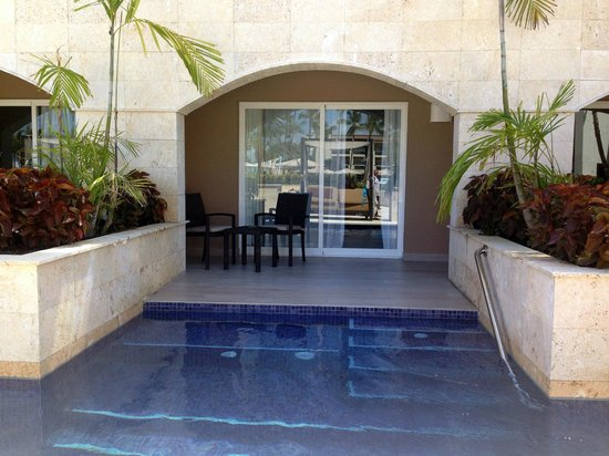 Swim Out Room Picture Of Royalton Punta Cana Resort
