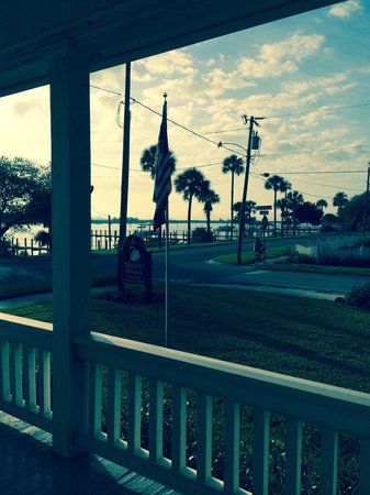 Night Swan Intracoastal Bed and Breakfast: The view from the main house is gorgeous and they have a pier too!  Tell them you want a glass o