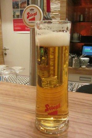 Ramada Salzburg City Centre : huismerk bier, smaakt goed!