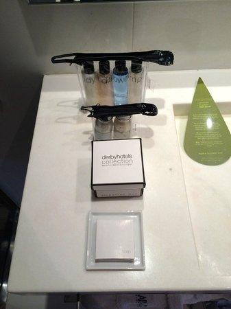 Hotel Granados 83 : Individual Executive Room, Bathroom Products