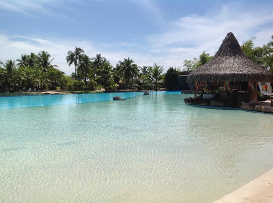InterContinental Tahiti Resort & Spa: Walk in Pool