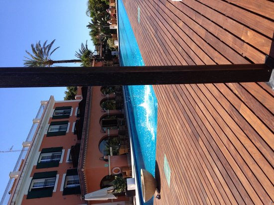 Les Rotes Hotel: Pool area