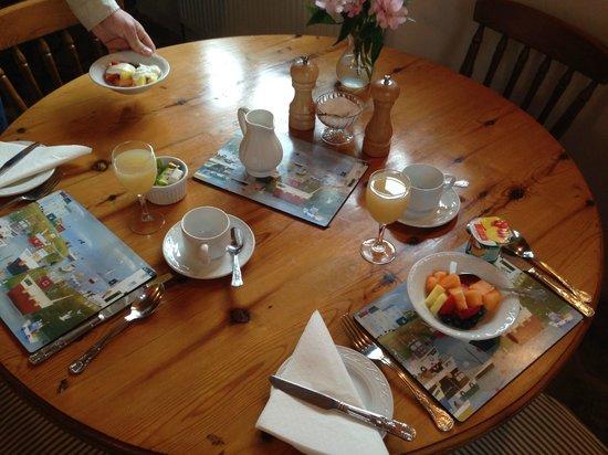 Harbertonford, UK: Breakfast area