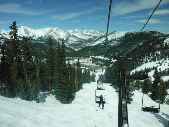 Monarch Mountain : Lodge down below