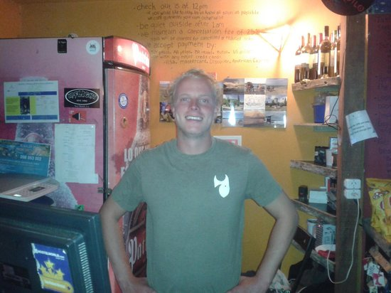 El Diablo Tranquilo Hostel: Jackson the happy receptionist
