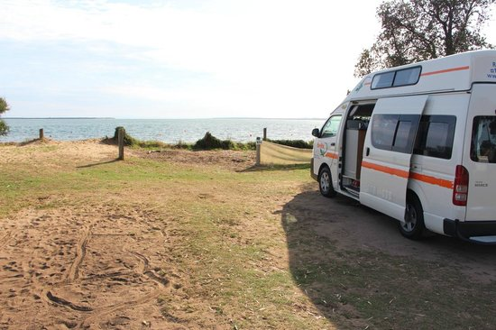 Cowes Caravan Park: Site 184. Belle vue sur la plage