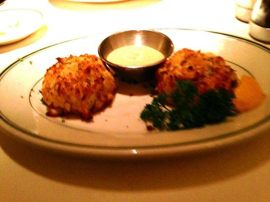 Joe's Seafood Prime Steak & Stone Crab: Lump Crab Cakes (Lightly Breaded!)