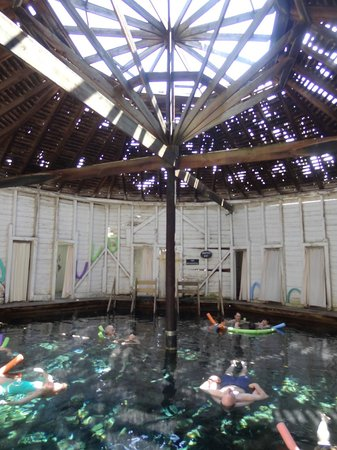 Jefferson Pools : Men's Pool Interior