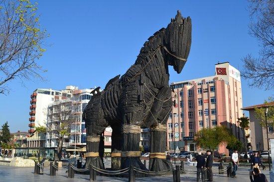 Konak Hotel: Troy horse