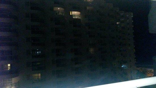 Sheraton Barra Rio de Janeiro Hotel: Vista do prédio da frente.