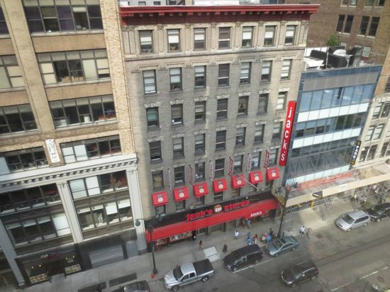 View across 31st st picture of hampton inn manhattan - Hotel madison square garden new york ...