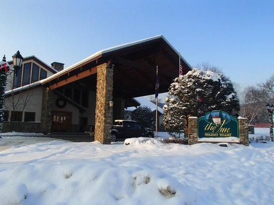 Inn at Holiday Valley: Front entrance of the Inn.