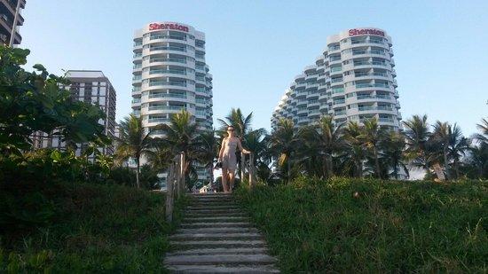 Sheraton Barra Rio de Janeiro Hotel: Vista da praia.