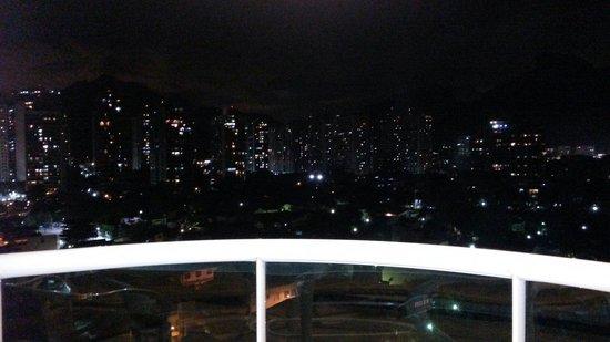 Gran Nobile Rio de Janeiro Barra: Sacada a noite. Vista panorama.