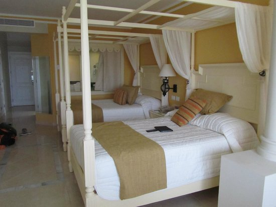 Luxury Bahia Principe Bouganville Don Pablo Collection : room