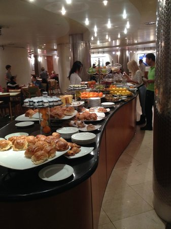Le Meridien Visconti Rome : Frukostbuffén