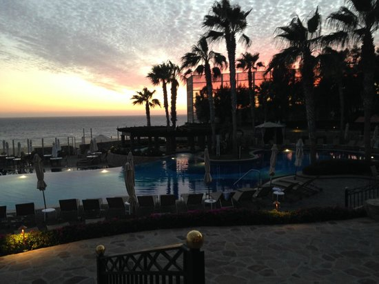 Pueblo Bonito Sunset Beach: The main pool at sunset