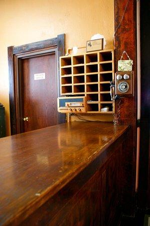 The Higgins Hotel: Front Desk