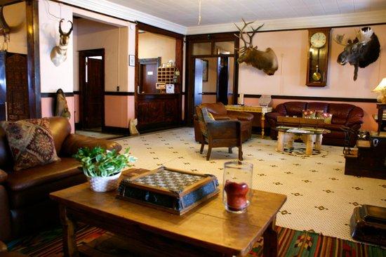 The Higgins Hotel: Lobby