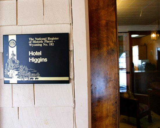 The Higgins Hotel: Entrance