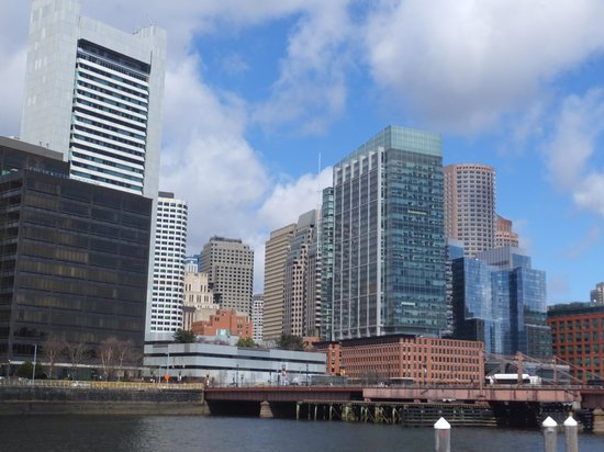Smith & Wollensky: See the red-brick building that is the place